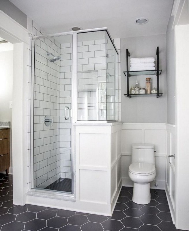 14 Inspiring Small Master Bathroom Decorating Ideas 05