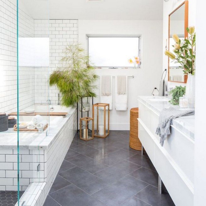 14 Inspiring Small Master Bathroom Decorating Ideas 30