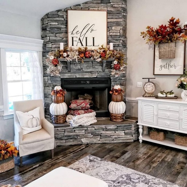 15 Inspiring Farmhouse Fall Decor Ideas 22
