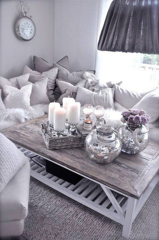 20 Lovely Winter Coffee Table Decoration Ideas 07