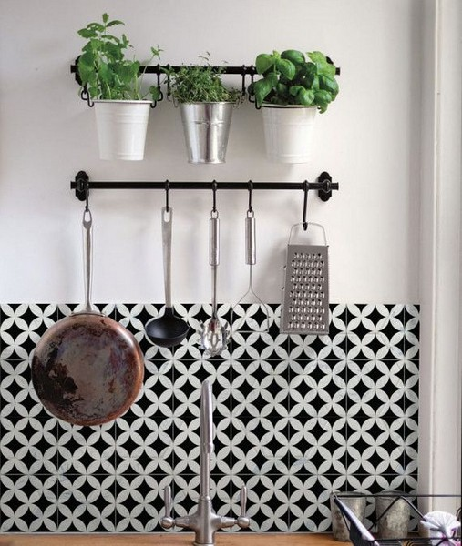21 Inspiring Black And White Wall Design Ideas For Kitchen 41