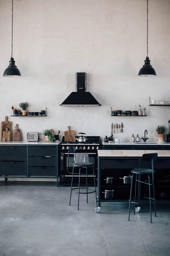 21 Inspiring Black And White Wall Design Ideas For Kitchen 58