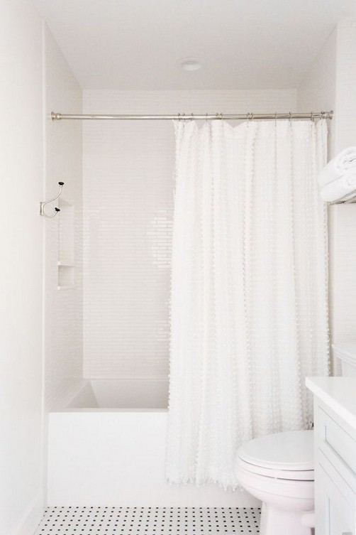21 Outstanding Traditional Bathroom Ideas To Not Miss 38