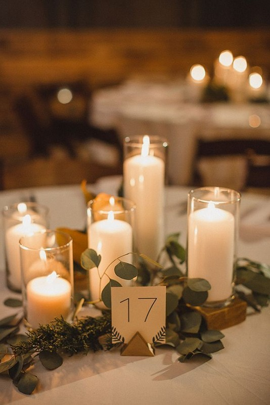 21 Romantic Rustic Winter Wedding Table Decoration Ideas 43