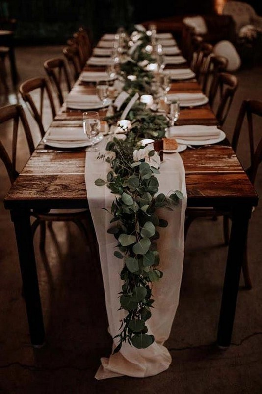 21 Romantic Rustic Winter Wedding Table Decoration Ideas 55