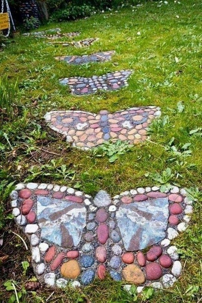 22 Unique Garden Stepping Stone Ideas 09