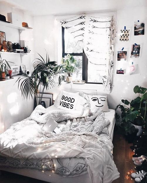 15 Cute Small Teen Bedroom Ideas 22