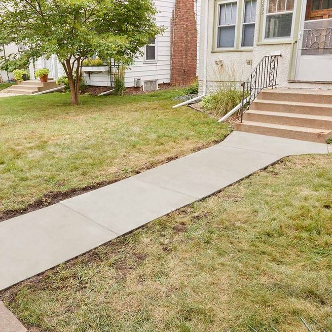 15 Elegant Front Sidewalk Landscaping Ideas 17