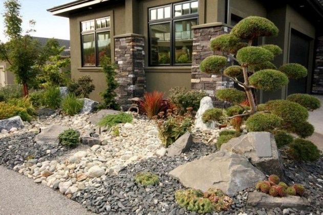 15 Elegant Front Sidewalk Landscaping Ideas 31