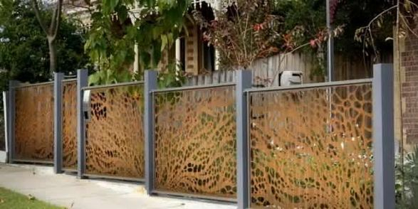 15 Stunning Bamboo Fence Decor Ideas You Can Add For Your Home 03