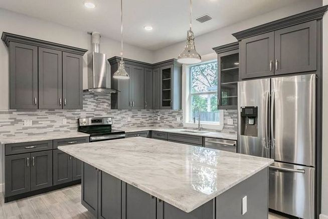 18 Easy Kitchen Cabinet Painting Ideas 20
