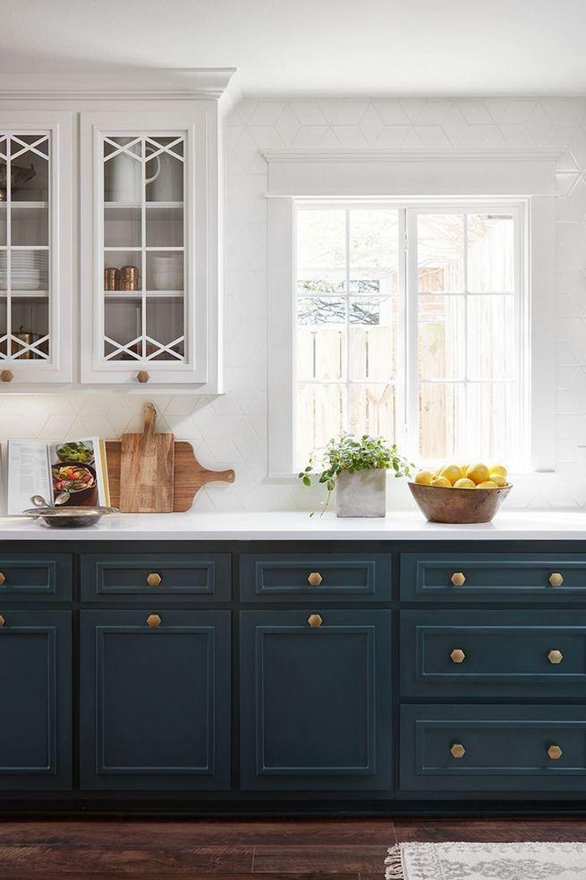 21 Gorgeous Dark Blue Kitchen Cabinets 02
