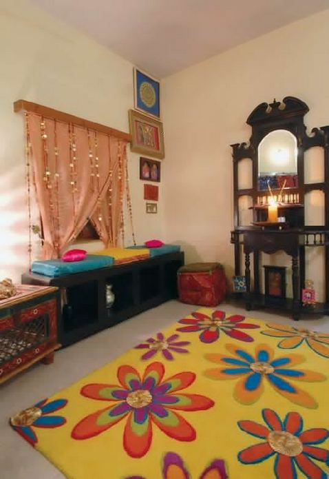 22 Gorgeous Traditional Indian Carpet Designs For Living Room 30