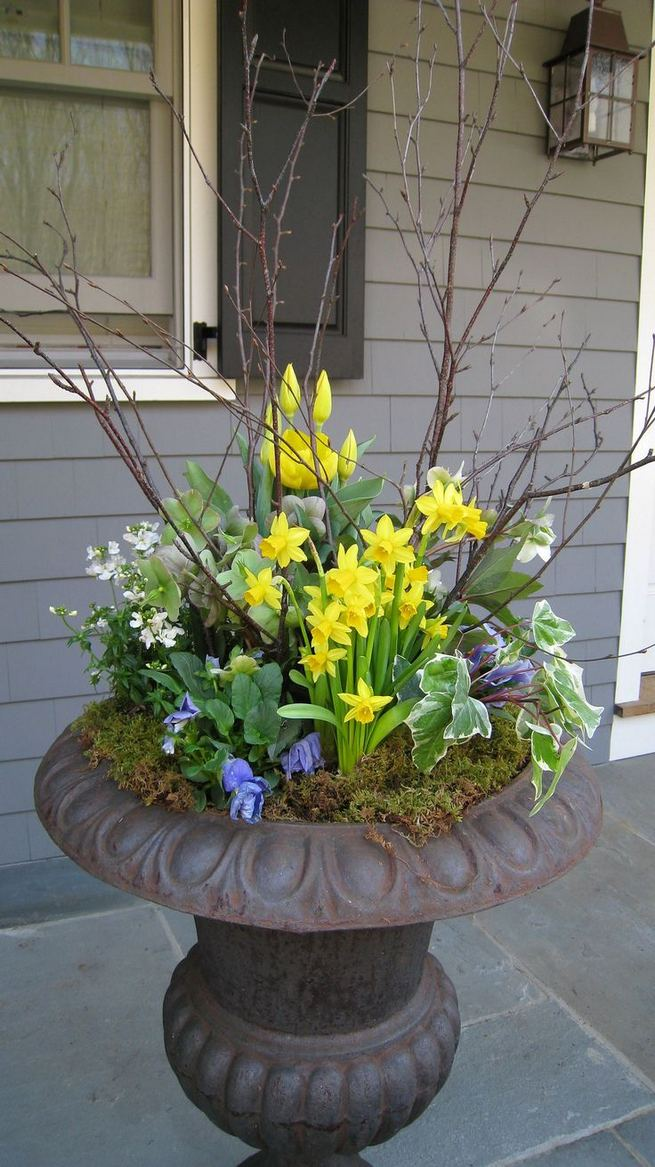 13 Brilliant Flower Pots Ideas For Your Garden 16