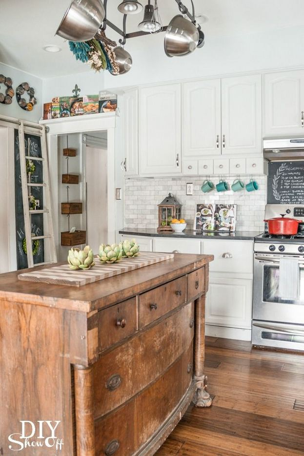 14 Stunning Vintage Wooden Kitchen Island Decor Ideas 21