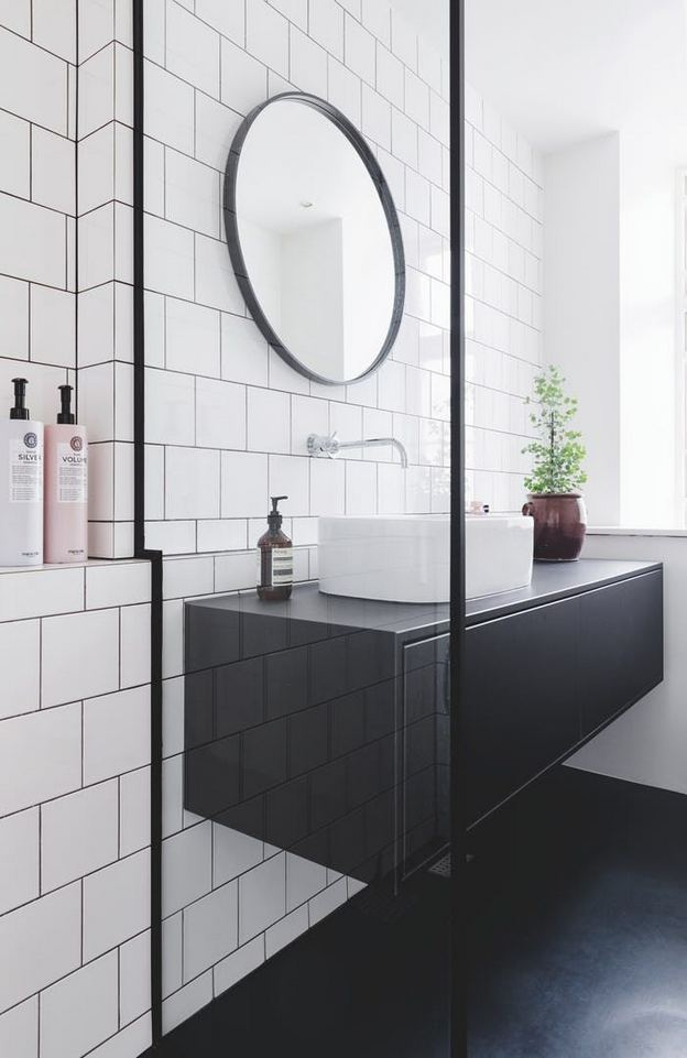 15 Awesome Black Floor Tiles Design Ideas For Modern Bathroom 25
