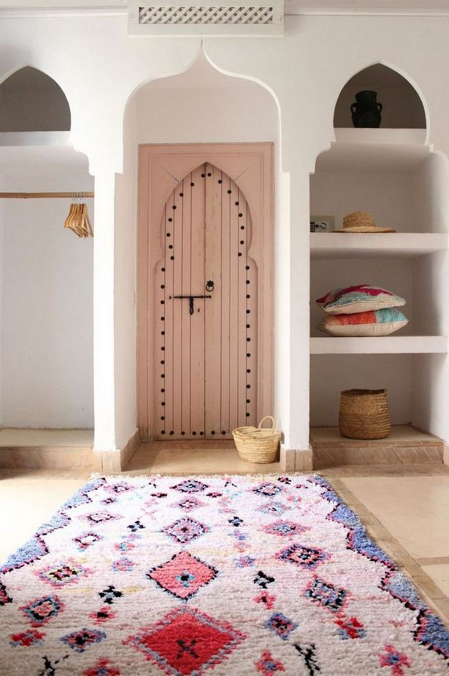 16 Awesome Colorful Moroccan Rugs Decor Ideas 01