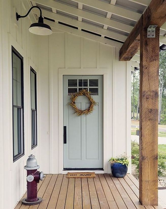 16 Best Alluring Farmhouse Front Porch Decoration Ideas 39