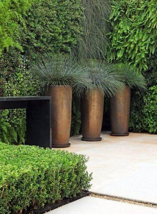 16 Creative DIY Tall Pots Planters Ideas For Modern Garden 06