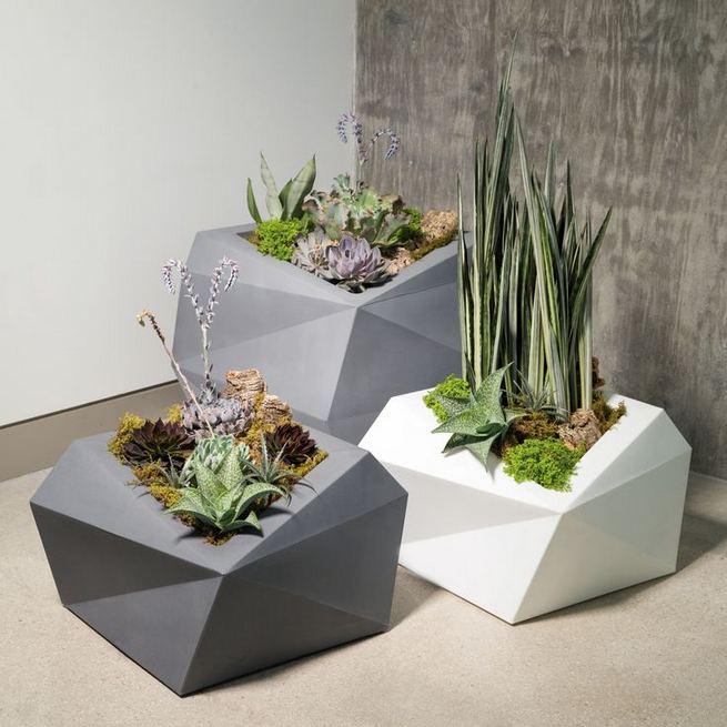 16 Creative DIY Tall Pots Planters Ideas For Modern Garden 20