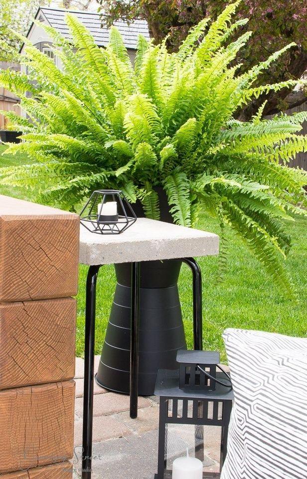 16 Creative DIY Tall Pots Planters Ideas For Modern Garden 26