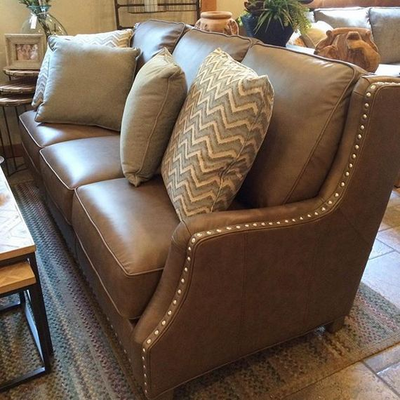 17 Attractive Brown Leather Living Room Furniture Ideas 46