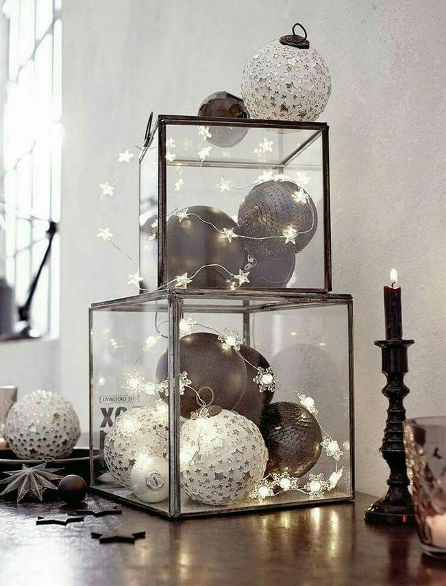 13 Stunning Black Christmas Decorations Ideas 17