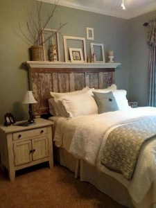 16 Comfy Farmhouse Bedroom Decor Ideas 19