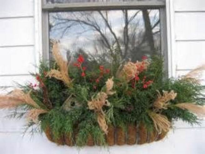 16 Splendid Outdoor Planter Ideas In The Winter Season 21