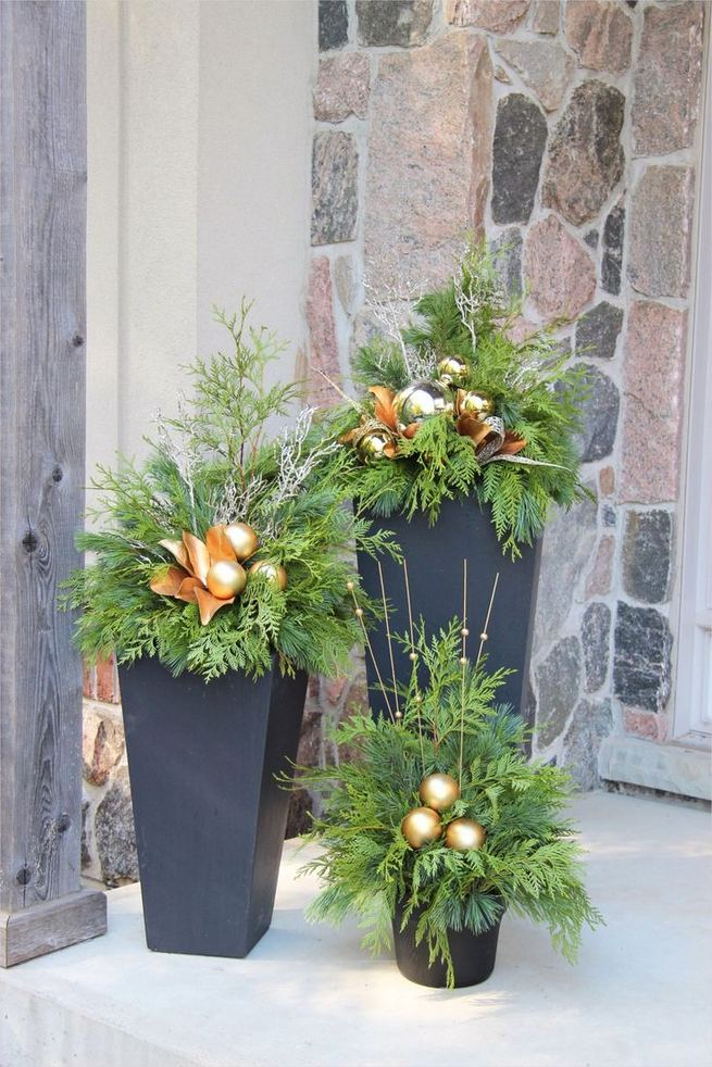 16 Splendid Outdoor Planter Ideas In The Winter Season 25
