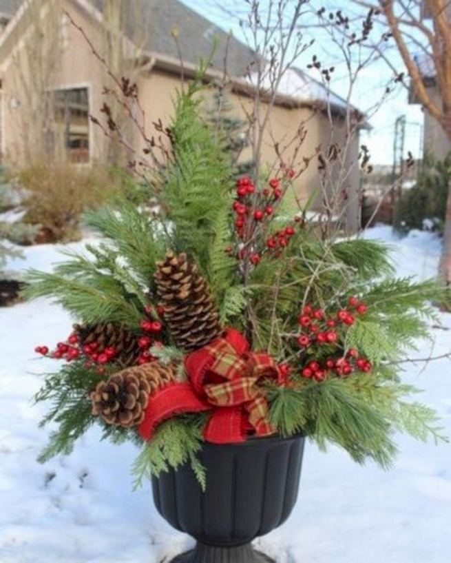 16 Splendid Outdoor Planter Ideas In The Winter Season 39