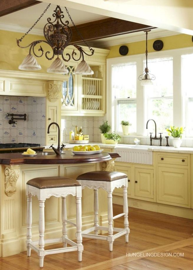 17 Inspiring Country Style Cottage Kitchen Cabinets Ideas 06