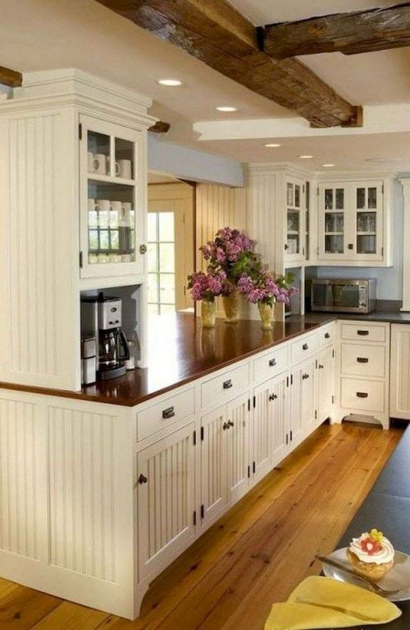17 Inspiring Country Style Cottage Kitchen Cabinets Ideas 12