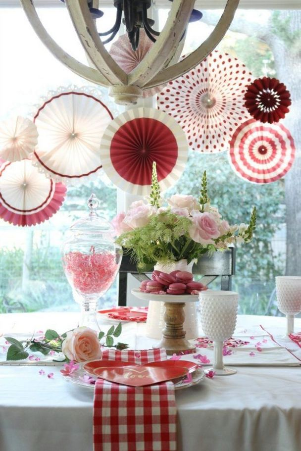 17 Inspiring Rustic Valentines Decor Ideas On A Budget 25