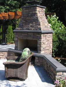 18 Gorgeous Outdoor Fireplaces And Patios Design Ideas For Your Backyard 40