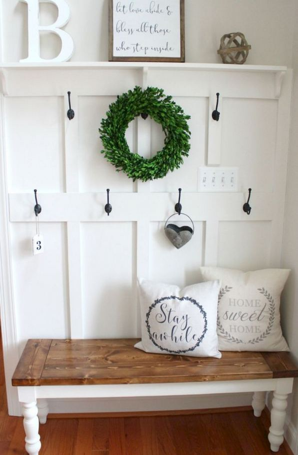 12 Stunning Rustic Small Mudroom Entryway Decor Ideas 16