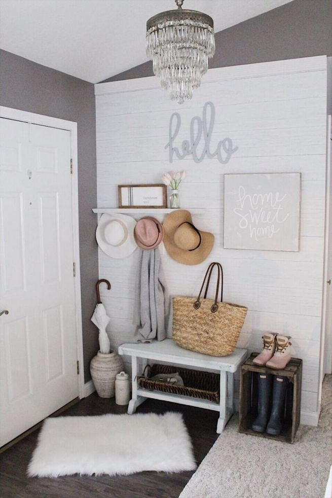 12 Stunning Rustic Small Mudroom Entryway Decor Ideas 18
