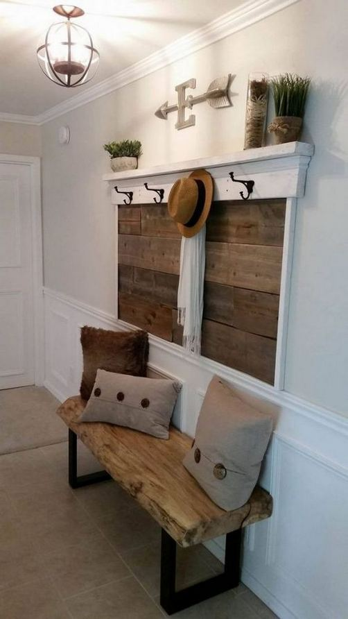 13 Amazing Farmhouse Entryway Decoration Ideas 14