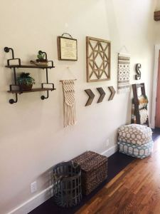 13 Amazing Farmhouse Entryway Decoration Ideas 24