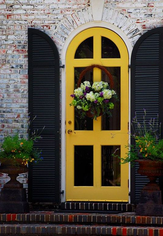 13 Fantastic Yellow Brick Home Decor Ideas For Front Door 12