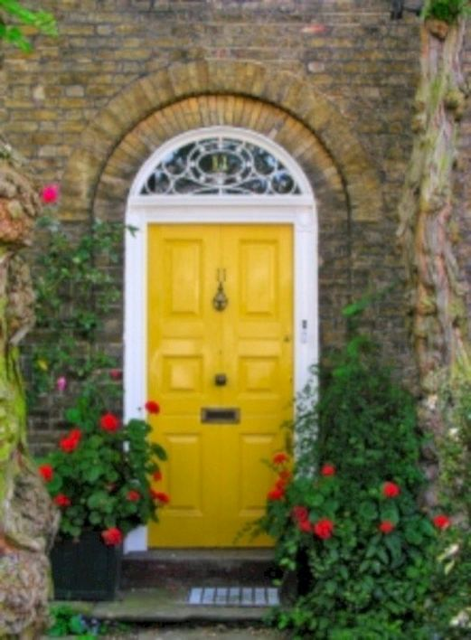 13 Fantastic Yellow Brick Home Decor Ideas For Front Door 17