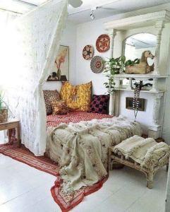14 Brilliant Bohemian Bedroom Design Ideas 10