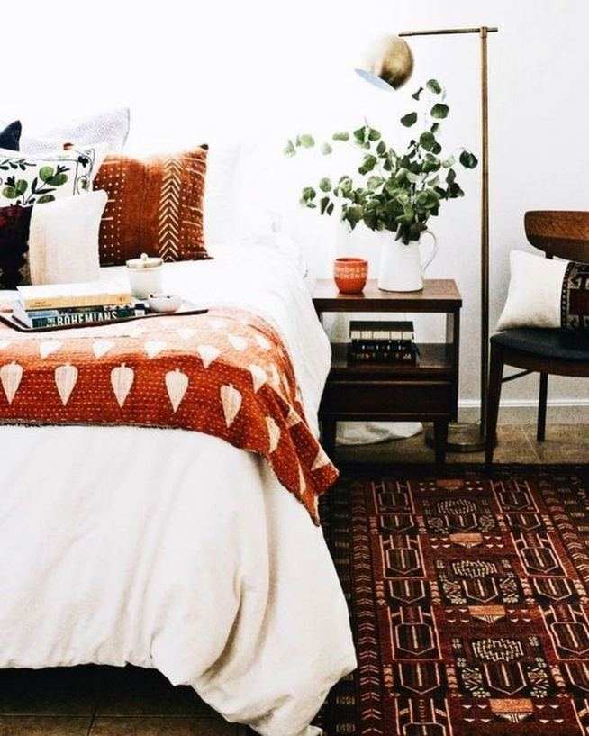 14 Brilliant Bohemian Bedroom Design Ideas 31
