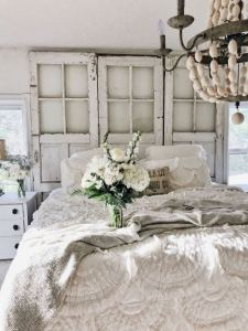 14 Comfy Shabby Chic Bedrooms Design Ideas 24