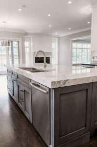 15 Incredible Farmhouse Gray Kitchen Cabinet Design Ideas 21