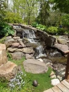 15 Relaxing Backyard Waterfalls Ideas For Your Outdoor 14