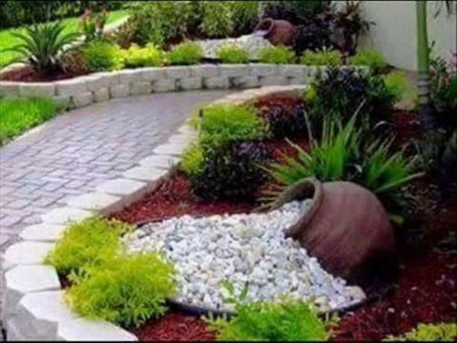 12 Best Ideas For Front Yard Rock Garden 07