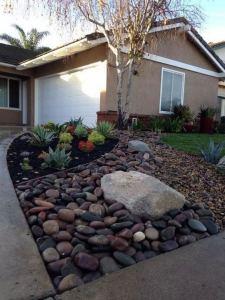 12 Best Ideas For Front Yard Rock Garden 15