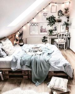 19 Creative DIY Bohemian Bedroom Decor Ideas 36
