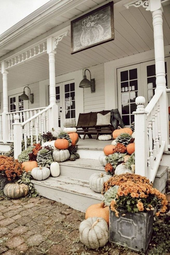 21 Stunning Farmhouse Front Porch Decor Ideas 20
